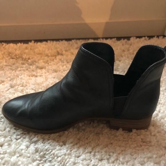Nine West Black Leather Nesrin Bootie